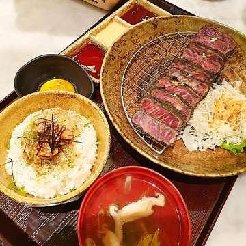 Black Gyukatsu ✨ @kintarosushijkt 📍Kintaro Sushi 🚩senopati jl. Suryo no 20 💰260k ⭐️⭐️⭐️ ⭐️ #amelfoodiaryjkt #amelfoodiaryjakarta . . . . #pergikuliner #lovefood #jktfoodies #kulinerjkt #foodlovers #yum #yummy #foodie #pretty #kuliner #culinary #recommended