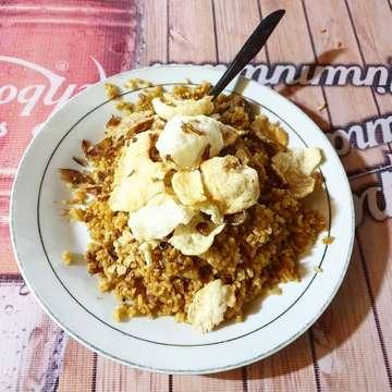 Late dinner sekaligus Sahur 😀🔥 the one & only Nasi Goreng Kebon Sirih. . . . . .  #nasigoreng #kebonsirih #nasigorengkambing #friedrice #lamb #satekambing #acar #amazingindonesiafood #jakartainfood #foodporn #foodgasm #instafood #streetfood #jakarta #eeeeeats #yummy #foodphoto #iphonesia #sahur #ramadan #likeforlikes #lambsatay