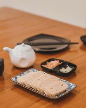 SUSHI LOVERS ALERT! Udah akhir bulan, dompet menipis tapi ngidam sushi? Hidden gem in Kelapa Gading area @sushiman.id ready to serve you yummy and very affordable sushi, also they have some cute sushi characters all over the place 🍣 (swipe for more satisying pics) . . #jktfoodbang #jktfooddestinations #igfood #igfoodies #kuliner #kulinerjakarta #explorejakarta #wisatakuliner #vscofood #yummy #foodies #foodgasm #foodporn #foodgram #instafood #foodstagram #tasty #eatandtreats #anakjajan #jktfoodead #foodlova #jangkrikkuliner #jktfoodindulgence #eeeeeats #huffposttaste