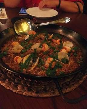 #paellamixta  #ensaladamediterranea  #tortilladepatatas  #filetedeternera #tapasclub  #spanishfood #instafood #foodgram