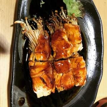 Back in Bali! Absolutely love this Japanese restaurant! #sushitei #sushiteiindonesia #sushi #ilovesushi #foodinbali #ilovefood #foodie #foodiesofinstagram #foodiegram #travel #travelgram #beachwalk #kuta #kutabali #bali #baliindonesia #ilovebali #bubbliciouslovesbali #littlebitsofbali #mybalijoys