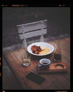 Repost foto-foto terbaik dari berbagai Cafe di Medan #cafedimedan #cafemedan #hangoutmedan #exploremedan - , nahlho salah pilih menu kan 👀., sok indie . makan ayam,telor dadar minum nya kopi item. 💅 . . . . . . . . . #kopi #koffie #kahwe #manualbrew #manualbrewonly #manmakecoffee #medan #anakkopi #happyboringlife #happy #love #work #moody #moodygrams #vscofilter #vsco #coffeejpg #hobikopi #coffee #indocoffeegram #happy #love #work - 📷 Credit @mhoejha April 25, 2019