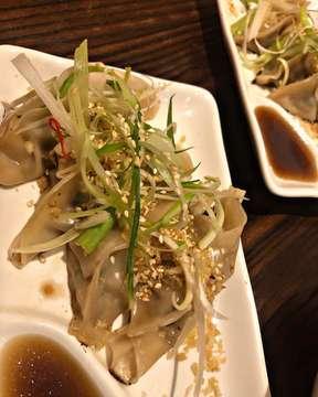 holiday lunch at Yoisho Ramen. 🍜 Ramen ! Kesukaan ! hari ini coba yoisho ramen review dikit yuk ;  tekstur noodle bisa pilih thin / thick . yang saya order thick ( as picture attach )  taste ; already mixed with indonesian fav.  porsinya gede2 dari ramen & gyoza, kalau aku sih habis ya 🤣, tp bagi yang makannya mini can be sharing.  ordering today :  Ramen  Set 🍜 : Shio Paitan + chic gyoza + hot ocha 🍜 : Cheese  Paitan + chic gyoza + cold ocha 💵 : 74k ( blom sc ) 🥰 : ❤️❤️❤️ 🗒 : no pork aka halal 🐤🐤 overall perut kenyang bet + hati pun senang ! Oiya jangan lupa order mochi matcha for closing your meal . #kuiakiru.  For sure will be back , selain makanan banyak pilihan tempatnya asik bgt #instagramable 🥰  ps : bagi yang vegan , mereka ada ramen vegan loh 😊 #itadakimasu . . . . . #holiday #thursday #lunch #ramen #noodlelover #bakmilover #gyoza #melawai #senopati #japan #japanfood #japanfoodie #foodporn #foodism #instafood #likeforlikes #nomnom #jktfoodbang #jktfoodie #jajan #dessert #mochi #eat #gunawarman #foodphotography