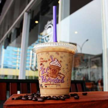 The Coffee Bean & Tea Leaf 1360003