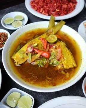 Yg khas dr Makasar.. .. .. Menu PALLUMARA BANDENG merupakan salah satu makanan khas dr kota Makasar yg dimasak dengan rasa kuah yg asam segar.. .. @dapurtian  Bandengan Utara no.25 Halal 021.6905705 Available Gofood Open 11.00-22.00 .. .. @kemenpar  @pesonaid_travel  @pesonamudik2019  #pesonamudik2019  #kulinerpesonamudik2019  #pesonaindonesia  #wonderfulindonesia  #lebaranpenuhpesona . .. .. #dapurtian#khasmakasar#jalangkote #makasarfood #kulinermakasar#seleranusantara#makanantradisional#instafood#destinasimakan#eeeeats#explore#foodies#foodporn#foodpic#instakuliner#foodgasm#feedfeed#fujifilmxm1 #jktfoodbang#dapur_siyeye