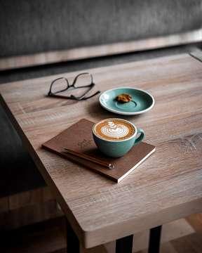 Let your bright eyes be held by the sun, you'll see the very best light, in everyone  📷 : Fujifilm XT-10 & 35mm/F2 #fujifilm_id #xt30team #xt30team_food • • • • #coffeeshop #coffee_inst #coffeeshots #coffeejpg #manmakecoffee #anakkopi #masfotokopi #happyboringlife #coffeegram #baristadaily #cafehopping #coffeeprops #papamamacoffee