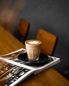 Timing beats speed, precision beats power • • • • #coffeeshop #coffee_inst #coffeejpg #ottencoffee #coffeeshots #cafehopping #baristadaily #manmakecoffee #anakkopi #masfotokopi #happyboringlife #coffeegram #coffeegrammers #kopimana27