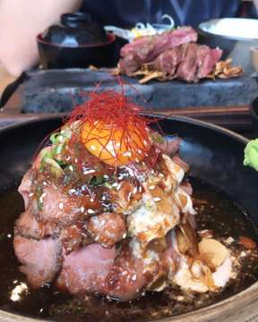 HOKKAIDO IZAKAYA 🥩 @hokkaido_izakaya #hokkaidoizakaya#japanesefood#japan#jktgo#donburi#beef#visitjkt#hokkaido#jakartafoodies#jktfoodie#jktculinary#jktfoodbang#jktinfo#visitjakarta#sashimi#misosoup#greentea#instafood#foodporn#musttryjkt#delicious#kobebeef#beef#japanfood#japanfoodies