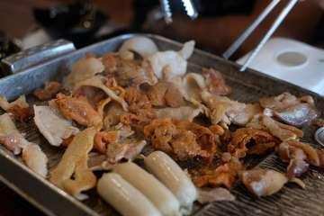 @ssikkek_id ! Salah satu tempat makan all u can eat dengan harga yang sangat terjangkau.. Di sini ada 3 jenis daging, ada ayam,sapi, dan babi.. Bagi pencinta rasa daging dengan sauce bbq yang manis, pasti akan menikmati daging-daging disini.. Favorite mimin adalah porkbellynya.. Rasa : 3,2/5 , Harga : 100k (Metro PIK Ruko Galery, Blok 8 No. EJ Jl. Pantai Indah Utara II, Pantai Indah Kapuk, Penjaringan, Jakarta Utara) #kulinerjakarta #makananjakarta #allucaneat