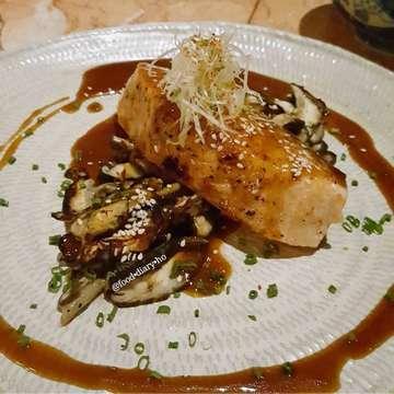 Salmon Teriyaki @fujin_id Healthy and oishii . . . . . #homakanmulu #foodporn #foodlover #instafoodie #foodgasm #foodstagram #foodspotting #makanenak #happytummy #lifeistasty #lifeisgood #makanapa #인스타푸드 #푸드스타그램 #fooddiary #fooddiaryinindonesia #fooddiaryinjakarta #japanesefood #urbanouteaters #jktfoodbang #fujin