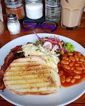 Breakfast @satusatucoffeecompany really makes you full and energize you the whole day!! 📷: @auroraisay  #food#foodgasm#foodporn#foodie#foodstagram#foodlover#foodpic#foodblog#foodblogger#foodpost#foodlife#foodtime#foodhunt#foodjakarta#foodbali#foodsemarang#balifood#baligasm#balilife#balifoodies#balifoodguide#balifoodlover#balifoodblogger#balibucketlist#balifoodtalk#jakarta#semarang#bali#jktfoodies#smgfoodies