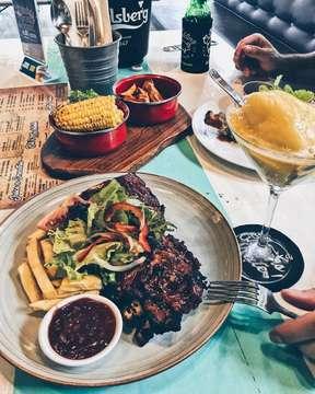Pork ribs, people!! @blicrackling 📷: @dimasdibali  #food#foodgasm#foodporn#foodie#foodstagram#foodlover#foodpic#foodblog#foodblogger#foodpost#foodlife#foodtime#foodhunt#foodjakarta#foodbali#foodsemarang#balifood#baligasm#balilife#balifoodies#balifoodguide#balifoodlover#balifoodblogger#balibucketlist#balifoodtalk#jakarta#semarang#bali#jktfoodies#smgfoodies