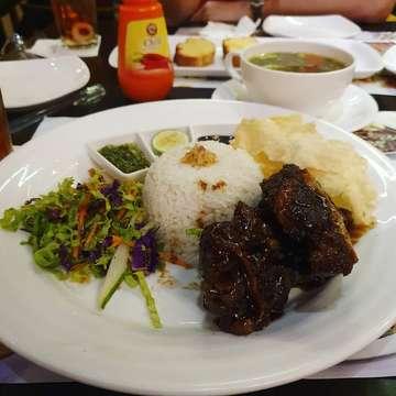 #foodphoto#foodshare#foodporn#dine#lunch#makanmana#makanasik#kuliner#kulinermedan#kulinernusantara#hobimakan#hobikuliner#travel#foodgasm#foodie#instafood#instaphoto#fotokuliner #indonesia#food#asianfood#galerikuliner#duniakuliner#kulinerenak #hobbymakan#medan #foodie #foodinstagram#makanankekinian #chinesefood#indonesianfood