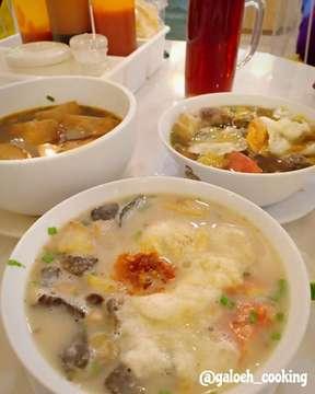 Alhamdulillah Selamat berbuka puasa  Met dinner juga ya friends . . . . #soup #sopbuntut #sopkikil #baksotahu #chopbuntutcakyo #chopbuntut #wowenak #wowkuliner #kulinerindonesia #seleragaloeh #bukapuasa #menubukapuasa #nomnommedan #puasa2019 #foodie #foodpron #yummyfood #makanenakmedan #sukamakan #makanenak