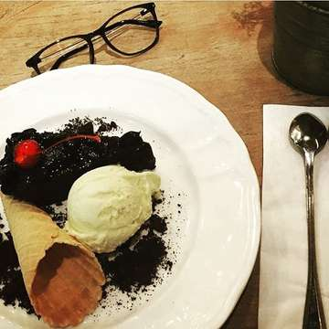 GB Bistro & Dessert 1359179