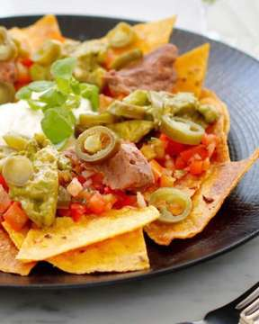 'Gourmet Nachos' for your lunch or dinner 😍 @gourmetcafedewisri  #gourmetcafedewisri #nachos #lunch #dinner #bali