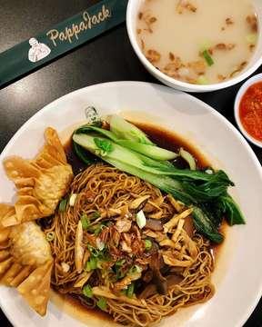 Makan siang dulu gezzz.... @pappajackpik @pappajack_pik . . . . . #pappajack #pappajackpik #mie #wonton #noodles #noodle #tasty #delicious #deliciousfood #kuliner #kulinerjakarta #makanenak #food #foodphotography #foodstagram #foodpic #foodpics #eat #janganlupabahagia #hidupuntukmakan