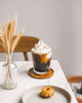 Libur - Masuk - Libur - Masuk. . . . . . . . #ibnpictures #ibncoffee #fujifilm_id #cafehopping #jakartacoffeeshop  #baristadaily #masfotokopi  #manmakecoffee #coffeeaddict #happyboringlife #alternativebrewing #anakkopi #hobikopi #indocoffeegram #fujifilmindonesia #coffeeshopvibes #workhardanywhere #ottencoffee #proudofyourlocalcoffeeshop