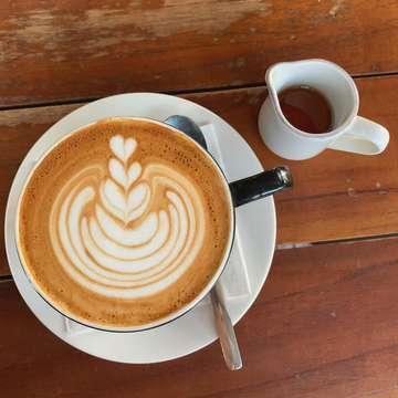 Because coffee 🙏🏼 . . . . . #siphoncoffee #syphoncoffee #coffeeholic #coffeelover #baristadaily #coffeeaddict #homebarista #morningbrew #coffeemania #coffeevibes #roasterdaily #coffeefeature #madeincoffee  #brewmethods  #specialtycoffee #aryanjosha #thirdwavecoffee #igerscoffee #coffeeshots #instacoffee  #goodcoffee #coffee_inst #manualbrewonly #coffeeprops #perfectdailygrind #masfotokopi #manmakecoffee #alternativebrewing #cupsinframe #coffeetime
