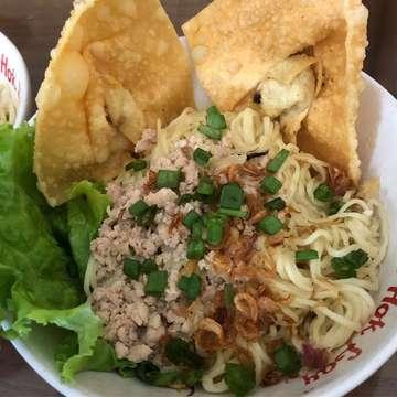 Pangsit cwimie #pangsitcwimie #pangsitmie #mie #lumpia #pangsitmiebakso #kulinermalang #makananlegendaris