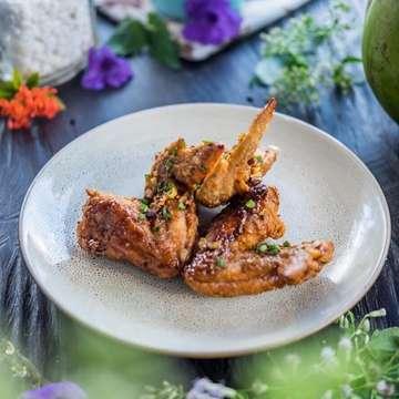 Chicken Wings for the Win 🍗⠀ 📍 @lenaskitchenbali⠀ •⠀⠀⠀⠀ •⠀⠀⠀⠀ •⠀⠀⠀⠀ ➖➖➖➖➖⠀⠀⠀⠀⠀ Register your restaurant at our website :⠀⠀⠀⠀⠀ 🌐 hotelsdibali.com⠀⠀⠀⠀ contact us at @brightbalimedia⠀⠀⠀⠀ ➖➖➖➖➖⠀⠀⠀⠀ #infoodbali #infofoodbali #dailyfoodfeed #lovefood #eatingfortheinsta #spoonfeed #huffposttaste #infatuation #cheatmeal #heresmyfood #eater #eattheworld #foodblogfeed #buzzfeedfood #rslove #exploreindonesia #igersbali #explorebali #ci_bali #lenaskitchenbali #chieckenwings #snapyourfood