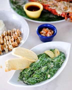 Don't worry, be healthy! Going to @lovester.shack and feels like having veggie? Now, they're serving Creamy Spinach as an additional dish! Tasty, creamy, and super yummy! A-must-try!!! • • 📍: @lovester.shack , Jln Terogong Raya no 36, Jakarta Selatan • • #ivanmarchius #quiveproject  #jktfoodbang #tablesituation #foodphotography #jktfooddestination  #foodcoma #foodbeast #foodgawker #beautifulcuisines #onthetable #zomatoid #foodie #brunch #foodies #lambekuliner #qraved #foodphotographer #menwithcuisines #foodphotographerjakarta #foodblogger #foodstagram #spinach #creamyspinach #lovestershack