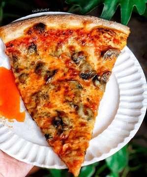Pizza Slice at Pizza Place Kemang @pizza__place 😋😍 Shared By: @cicikuliner #Jktfoodbang #eatfamous #foodbeast #munchies #wanderbites #jktgo #placestogojkt #nowjakarta #anakjajan #eatandtreats #instafood #eeeeeats #f52grams #tastespotting #manualjakarta #ilovefood #huffposttaste #heresmyfood #eat #tastethisnext #hautescuisines #vscofood