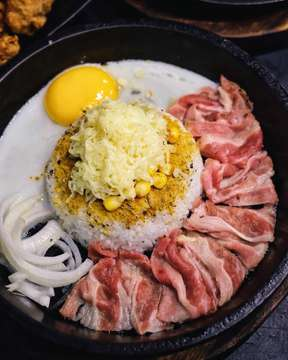 Beef Pepper Rice with Curry and Mozzarella @gochagocha.id 😋🔥 Murah Enak & Kenyang!! Gak cukup satu nih guys. Bisa jadi ide makan hemat kalian, weekend ini! . 🚩 SUNTER Jl. Danau Agung 2 no 73, Jakarta, 14350 . 🕕 OPENING HOURS : TUESDAY - SUNDAY 06.00 - 11.00 pm . 🚩 BEKASI Grand Galaxy Park Mall Lt. 2 Food Park. . 🕕 OPENING HOURS : DAILY 10.00 am - 10.00 pm . 🚩 PADANG Jl. Arif Rahman Hakim No 58 (Benteng Utama Motor) . 🕕 OPENING HOURS : DAILY 11.00 am - 09.00 pm PUBLIC HOLIDAY OFF . 🚩 PONTIANAK (RELOCATING) . #jktfoodbang #foodgasm #foodgram #buzzfeedfood #foodporn #vscofood #foodstagram #jktgo #jktfoodbang #starvingtime #foodies #f52grams #eatandtreats #insiderfood #anakjajan #jakarta #feedfeed #instafood #foodnetwork #gofoodjakarta