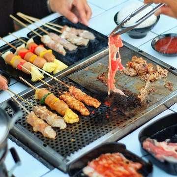 Nge-grill hemat di BlaBlaBla Grill!😍 . @blablabla_grill - @alivedining  Dapatkan diskon 50% untuk semua menu grill. Promo berlaku setiap hari Senin-Jum'at mulai pukul 18.00 - 22.00 WIB. . *tidak berlaku untuk menu a ala carte dan minuman . Tag temen kalian!!! ••••••••• Location: BLABLABLA GRILL by ALIVE FUSION DINING, Jl. Timoho No.49A, Jogja . ⏰10.00 - 22.00 Free Wifi - #blablablagrill #alivefusiondining #jogjafood #grilljogja . . . . . . . #kulinerjogja #explorejogja #wowkuliner #jktfoodbang #jktfooddestinations #flatlays #9gag #9gagnomnom #foodphotography #beautifulcuisines #thefeedfeed #onthetable #handsinframe #kulinerindonesia #wowlaper #foodporn #foodgasm #foodpic #igfood #jogjaku #laperbaper #instagram #laperbener #streetfood #igfood #instafood #indozonefood