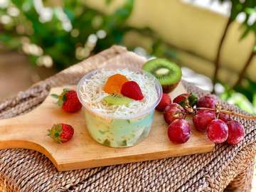 "OUR NEW MENU 🎉🎉 ""BLUE SALAD"" Salad buah dengan dressing saus bubble gum yg segerrr 😍  Size 300ml 13k Bisa diorder mulai hari ini yaaa 🥰🤗 #salad #saladbuah #saladbuahmalang #saladsegar #saladbuahsegar #freshsalad #fruitsalad #saladbatu #saladbuahbatu #saladtaro #saladredvelvet #saladbubblegum #saladredvelvetmalang #saladredvelvetbatu #saladtaromalang #saladtarobatu #saladbubblegummalang #saladbubblegumbatu #malangfoodies #malangkuliner #foodmalang #malangfood #batukuliner #kwb #kaykeenssalad"