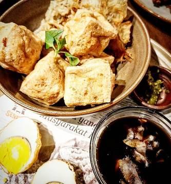 Tahu goreng.... #satekhassenayan #tahugoreng #indonesiacooking #food