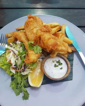@oldmansbali fish and chips makes me happy