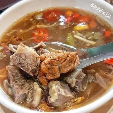 [ Asem asem daging ] Malem ini koko makan asem asem daging di @mlinjoresto menurut koko asem asem daging disini enak kuahnya sedep asem pedes dagingnya juga empuk . Dan yg koko suka dagingnya banyak jadi kita puas makan nya. Cocok buat makan malem kalian hari ini 😘👌 . . 📍 : @mlinjoresto 🍽 : Asem asem daging 💰 : 40k 🏠 : Tomang . . Follow my instagram : @kokofood.id . . #jktfoodbang #jktfooddestination #anakjajan #foodreview #jajanan #foodnetwork #likeforfollow #followforfollow #foodshare #infokuliner #foodblogger #foodsharing #foodgram #foodoftheday #foodpics #foodlover #jktfoodies #eatandtreats #foodstagram #food #foodblogger #foodjournal #foodphotography #pergikuliner #instafood #travelfood #kokofood #foodpornshare #fooddiary