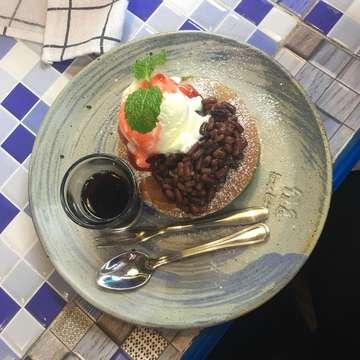 . . KAMAKURA JAPANESE CAFE - RS FATMAWATI, JAKARTA  Matcha Pancake  Taste: ⭐️⭐️⭐️ IDR 55.000++ (w/ tax & service)  Authentic French Toast  Taste: ⭐️⭐️⭐️⭐️⭐️ IDR 58.000++ (w/ tax & service)  #kulinerjakarta #kulinerindonesia #kulinernusantara #kulineribukota #makan #makananindonesia #kulinerindo #makanindo #makanindonesia