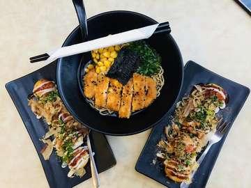 🥘🍛🥗 In frame : ramen chicken daishi (26k), takoyaki gurita (16k), takoyaki sosis (15k)  Cus cobaiiin 👍🏻👍🏻 🏠 : @kedaishi_  #kulinermalang #cafemalanghits #cafemalang #makanankekinian #minumankekinian #tempatnongkrongmalangkekinian #makanan #foody #tempatmakanmalang #malanghits #makananmalang #makananhitsmalang #cafemalang #cafehitsmalang #ramenmalang #takoyakimalang