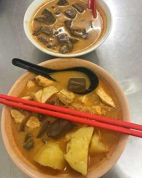 Apa sarapan kalian pagi ini? @rm.tabona bisa menjadi salah satu pilihan karna beneran enak abiss kari nya 😍😍. . The best Kari in town deh, setuju? . . 📍Tabona (@rm.tabona) Jalan Mangkubumi No. 17 Medan . #kulinertopui #kulinermedan #makanmana #makananindonesia  #jktfooddestination #jktfoodbang @jktfoodbang @jktfooddestination @eatandtreats #eatandtreats #kulineraddict #anakjajan @anakjajan @kulineraddict