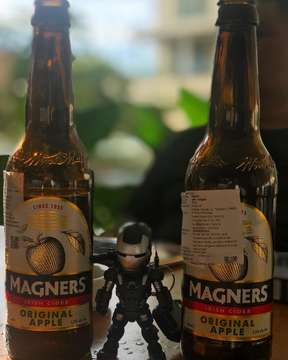 Iron man in between two pillars  #ironman #marvel #avengers #magners #senayancity #jakarta #thepremierexxi