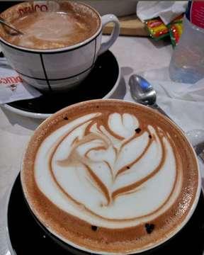 #hotchocolate #hotchocolates #delicocafe #instafoodshare #instafood #foodbloggerlife #foodography #foodlove #makanshay