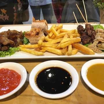 . . . . .  #jktfoodbang #food #kulinerjakarta #makanananakbumi #eatandbrunch #kuliner #jktfood #foodgasm #foodstagram #foodie #foodgasm #jktgo #jktkuliner #eatinjakarta #jktfooddestination