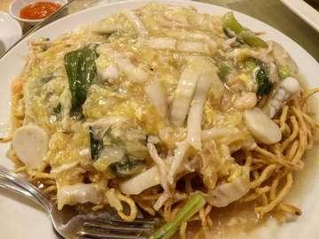 Bagi yg suka makanan Hakka, blh nih cobain yg di daerah Gading.. Restorannya hari² rame trs, menu yg wajib dipesan itu Sup Gurame 👌😘, udang yam ha, lindung cah fumak dan mie goreng nya.. . Tadi coba pesan ifumie nya, enak juga 😘 saus siramannya ga pelit . . . #eatandtreats #eatpostrepeat #eatfolks #eatsociety #feelandeat #keluarmakan #snapfoodie #wtfoodies #whatsupjakarta #jktfoodbang #jktfooddestination #jktsociety #jktfoodies #capturethefood #foodsociety #hakkacuisine #newcahayalestari . New Cahaya Lestari 📍Jl.  Boulevard Raya Blok FV 1 No. 1, Kelapa Gading