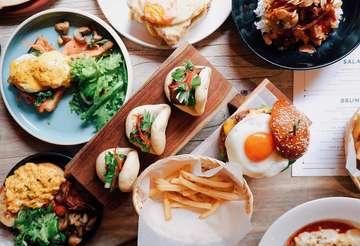 <<MUST TRY>> Coffee shop terfavorit di Kelapa Gading!! @sixounces.coffee punya menu-menu western & asian baru dari pizza, pasta, burger, sandwich, dan side-dish untuk brekkie, lunch, dan dinner. Kuy cobain! ☕️🍔🍳🥐🥪🥘🍝 📍 Six Ounces Coffee Jl. Kelapa Puan Timur 2 Blok NB2 no. 1 (belakang La Piazza) Jakarta Utara ⏰ 08:30 - 21:30 #sixouncescoffee #kelapagading #kulinerkelapagading #coffeeshop #restoranjakarta #jktfoodbang #onthetable #jktrestaurant #kulinerjakarta #vsco #vscofood #foodgasm #foodie #foodporn #foodphotography #foodstagram #happytummy #beautifulcuisines #jktculinary #jktfoodies #coffeehouse