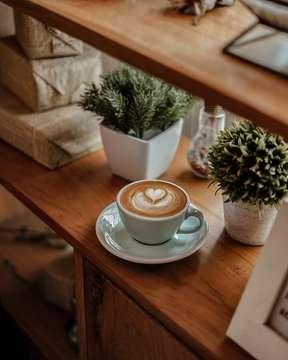 ☕🍂💡 . . #latepost #masfotokopi #mbakfotokopi #anakkopi #hobikopi #coffeequotes #manmakecoffee #happyboringlife #indocoffeegram #instagood #instadaily #instalike #instalikes #likeforlike #likeforlikes #like4like #like4likes #like #awesome #sonya #coffeetable #coffeeshop #coffeeshopbandung #sonya #50mm #coffeeshopvibes