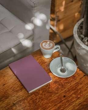 Dari magrib mikirin caption ga dapet dapet. . . #latepost #masfotokopi #mbakfotokopi #anakkopi #hobikopi #coffeequotes #manmakecoffee #happyboringlife #indocoffeegram #instagood #instadaily #instalike #instalikes #likeforlike #likeforlikes #like4like #like4likes #like #awesome #sonya #coffeetable #coffeeshop #coffeeshopbdg #sonya #coffeeshopvibes #coffeeart