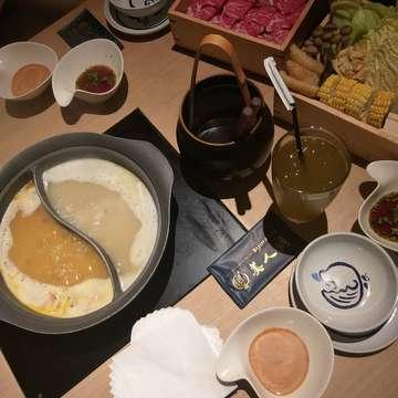 Makan senang makan kenyang Makan = senang Makan enak = #bijinnabeid  Makasih makan enaknya mba/cici/boss, smoga bnyk rejekinya 🧚♀️🙏