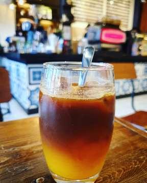 Afternoon #pickmeup & #thirstquencher  #coffeeshop #coffeetime #coffeeorange #coffeelovers #kaffee #kawa #咖啡 #コーヒー #コーヒーショップ #咖啡店 #kawiarnia #cafe #karenaakujugakamu #sekutukopi #soloculinary #coffeegram #kulinersolo #hungrygowheresolo #hungrygowhere #warungkopi