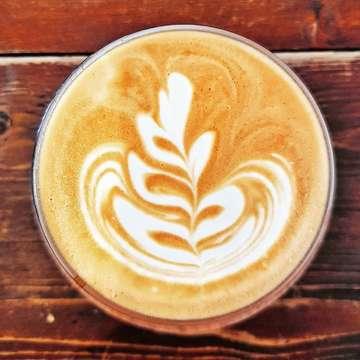 Smell the flower.......it smells like coffee  #coffee #flatwhite #lovecoffee #kaffee #咖啡 #コーヒー #kopi #limkopi #coffeeislife #karenaakujugakamu #sekutukopi #kawa #kawiarnia #coffeelovers #weekendishere #coffeeculture #pilgrimonthejourney