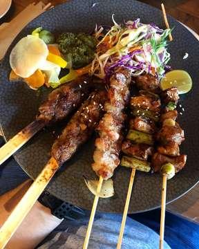 This will do just fine for break-fasting menu! All protein, no carbs, japanese BBQ skewer.. 😘😜 #japanese #japanesebbq #bbq #bbqskewers #yakitori #japanesefood #protein #healthy #grilled #breakfasting #fasting #fastingmonth #ramadankareem #ramadan #kzu #wabisabi #kzuwabisabi #sunsetroad #kerobokan #bali