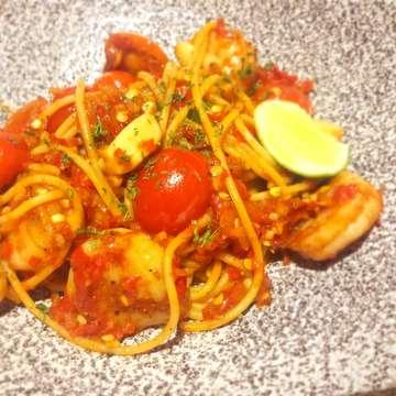 Salmon Tobiko Pasta 😘 Remind Me With Takoyaki flavour  #nomzjakarta #nomnomnom #foodies #foodlovers #foodstagram #likeforlike #instalike #foodblogger #foods #yummy #royaldinner #culinary