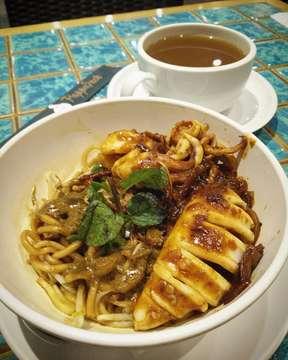 ⭐⭐⭐⭐ dry curry mee with tjoemi  #food #noodle #noodlelover #latepost #kopitiam  #culinary  #foodie  #foodgram