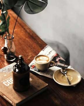 Tempe benerrr.... . . . . . #conversationovercoffee #canon6d #85mm #lightroompresets #anakkopi #masfotokopi #mbakfotokopi #hobikopi #tinxpiration #coffeejpg #manmakecoffee #coffeeshopcorners #coffeeprops #coffeesesh #cafehop #coffeetime #cafehoping #coffeeshopvibes #coffeelover #indocoffeegram #baristadaily #coffeegeek #coffeeday #cafestagram #coffeexample #cafeteller #coffeeandseasons #pictoftheday #photooftheday #canonasia